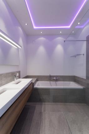 Tegelhuis badkamers tegels in barendrecht startpagina voor for Badkamer verlichting plafond