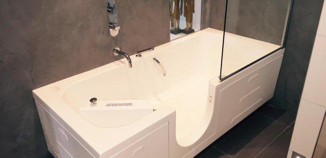 Een veilige & comfortabele aangepaste badkamer