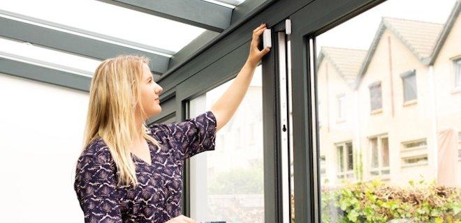 Sociaal alarmsysteem voor thuis