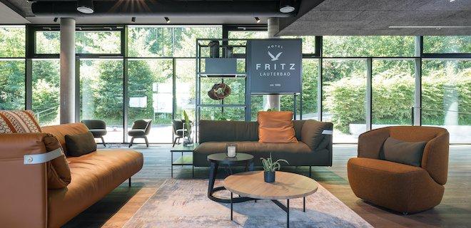 Inspirerende hotellobby in Zwitserland