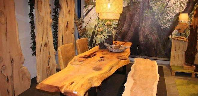 Unieke tafels van oud hout