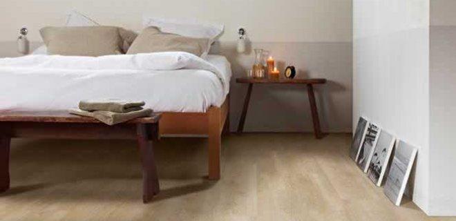 De looks van een houten vloer met het gemak van pvc