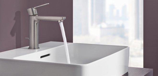 Designkranen sieren hedendaagse badkamers