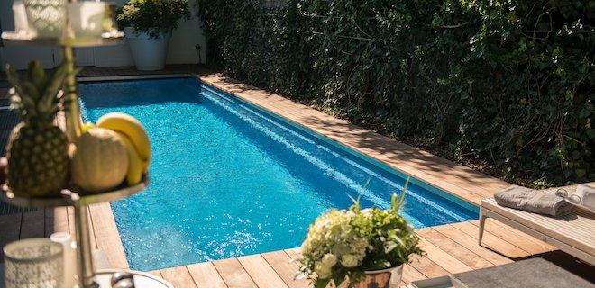 Een zwembad voor de kleine tuin