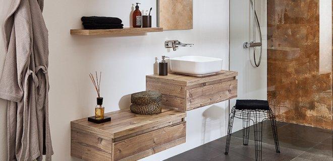 Mooi hout in de badkamer