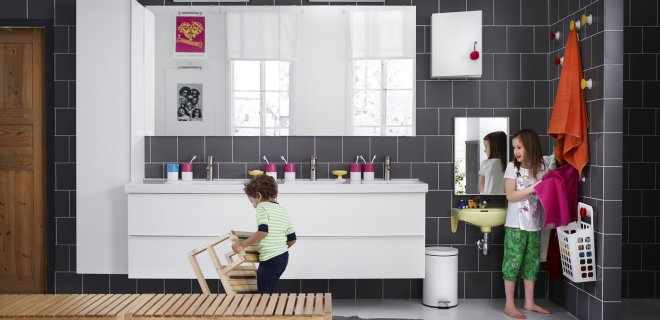 Badkamer Hout Natuursteen ~ Badkamermeubel Plaatsen Kosten  Nieuw de badkamer installatieservice