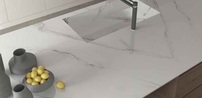 Marmer(look) in de keuken met de werkbladen van Kemie