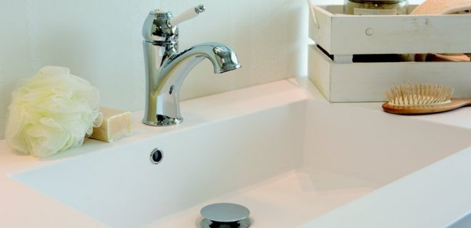 Een romantische badkamer met de Tradition kraan