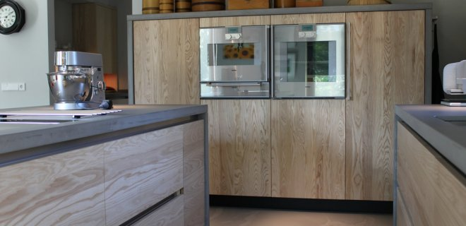 JP Walker moderne keuken van essenhout en beton