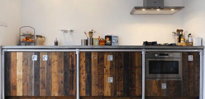 Sfeervolle keukens van sloophout