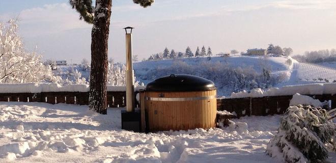 Ontspannen genieten van een hottub in de winter