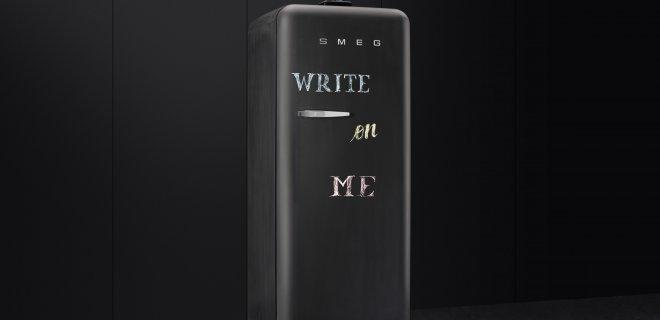 SMEG blackboard koelkast die ook je berichten bewaard