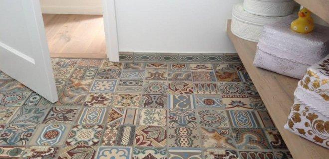 Mooi! Vloeren van Portugese tegels & antieke tegels