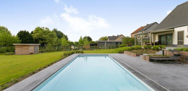 Wat is de beste plek voor een zwembad in de achtertuin?