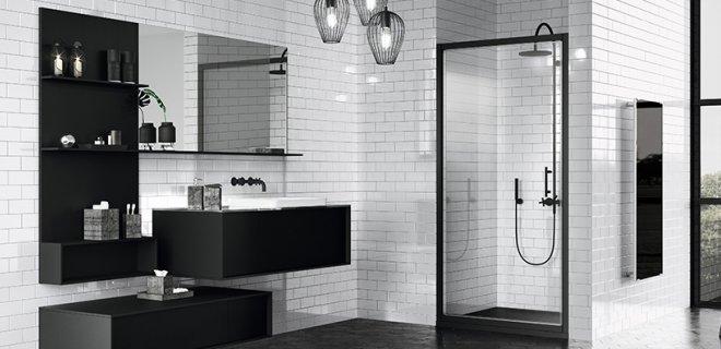 Zwart in de badkamer: douchewanden met industriële look