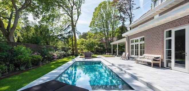 Is het zwembad toe aan een opknapbeurt? Kies voor zwembadrenovatie.
