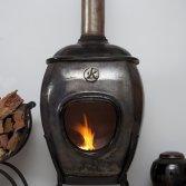 African Flame pothaard Black Raku