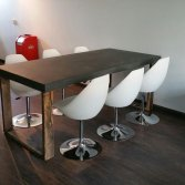 Betonnen tafel met houten U-poot   Woodindustries