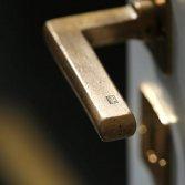 Bronzen deurbeslag | Dauby