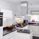 De Keukenvernieuwers plaatst nieuwe keukens