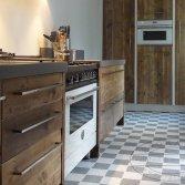 Esgrado handgemaakte keukens van gebruikt hout