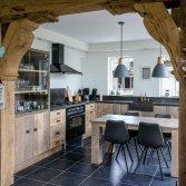 Houten keuken met eiken toog | Esgrado