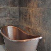 Badkamerwand bekleed met leer | Etagon