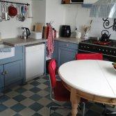 FLOORZ-Portugese tegels in effen kleuren in uw keuken