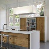 JP Walker Corian Design met Eikenhout