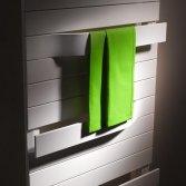 Kermi Tabeo designradiator met ge-intergreerde handdoekbeugels