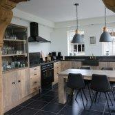 Keuken op maat van doorleeft hout