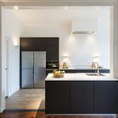 Design keuken in geborsteld eiken