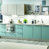 Moderne keuken in trendy kleur