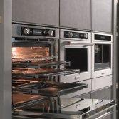 KitchenAid ovens met groot glaspaneel