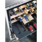 Wijnklimaatkast met natuurlijke ventilatie