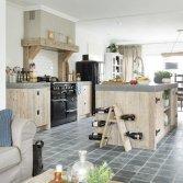RestyleXL Landelijke keuken met betonnen aanrechtblad
