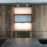 Oud eiken keuken met beton stuc