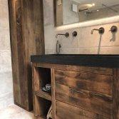 Oud eiken meubel met hardstenen wastafel | RestyleXL