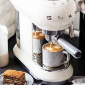 Espresso apparaat met klassieke look