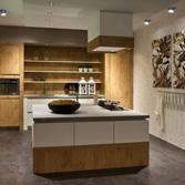 Uw KeukenSpeciaalzaak Selectiv Modern Romantisch