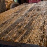 Handgemaakte eettafel van wrakhout   Woodindustries