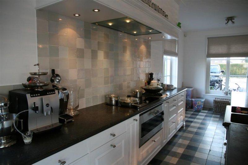 Wandtegels keuken grijs: inspiratie tegels.
