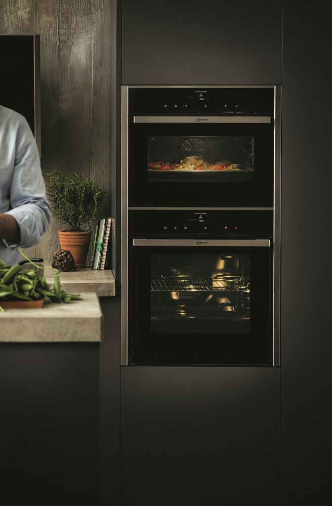 Neff oven met circotherm fullsteam product in beeld for Neff keuken