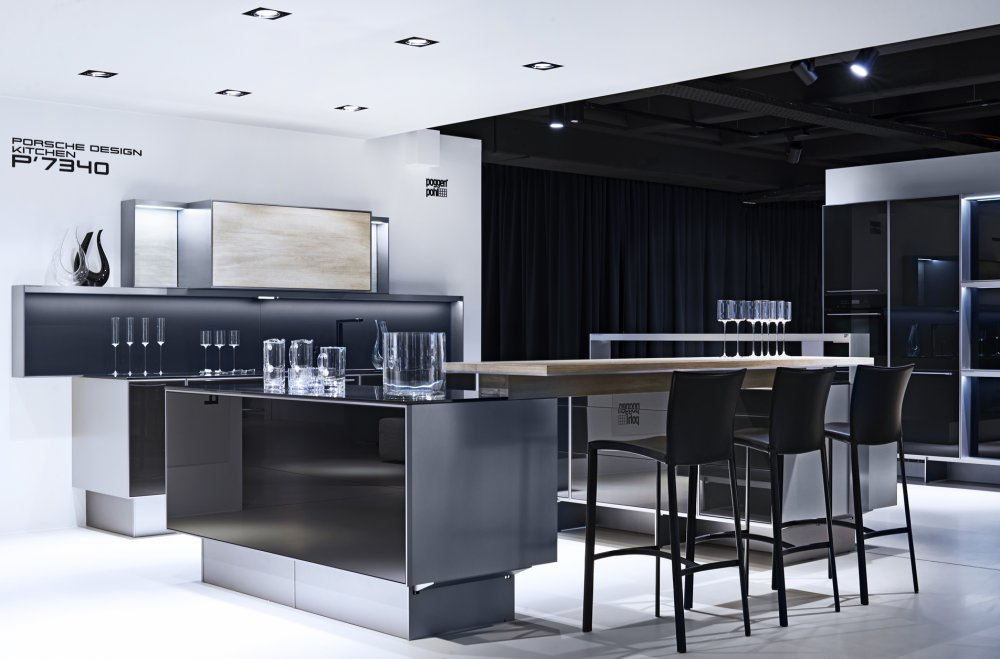 Poggenpohl porsche design keuken p7340 product in beeld for Cuisine porsche design