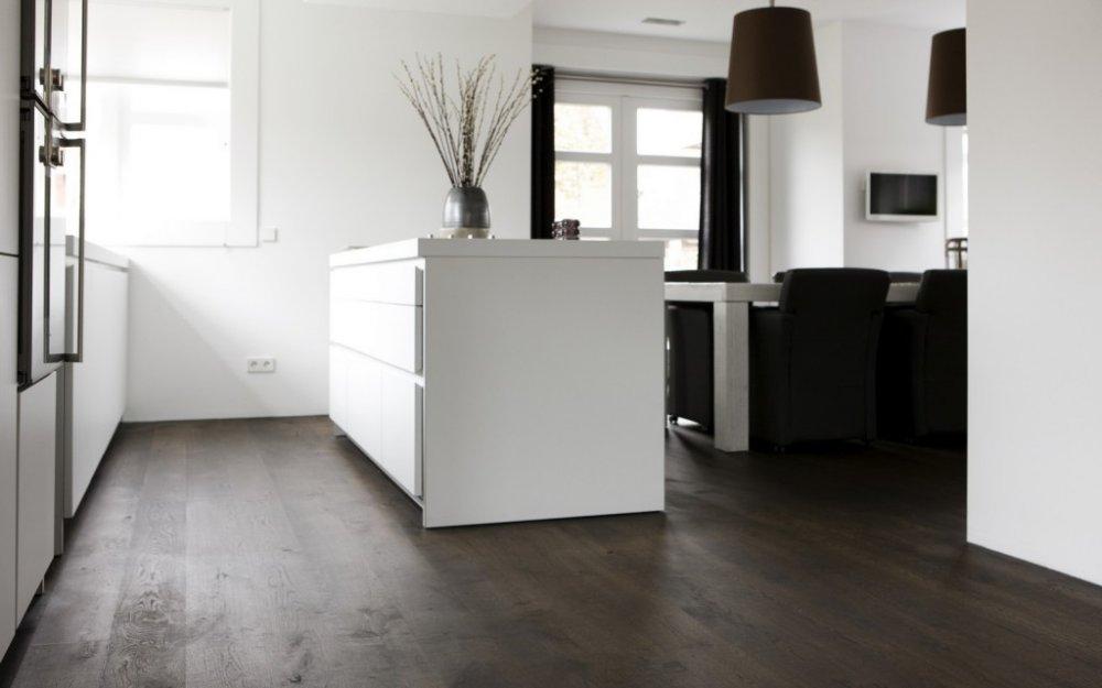 Uipkes rustiek Frans eiken houten vloer gitzwart