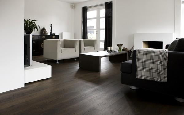 Donkere Keuken Vloer : Uipkes rustiek Frans eiken houten vloer gitzwart – Product in beeld
