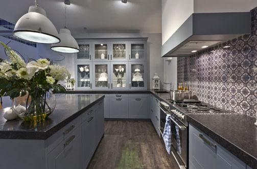 Uw KeukenSpeciaalzaak selectiv landelijk oud Hollands blauw