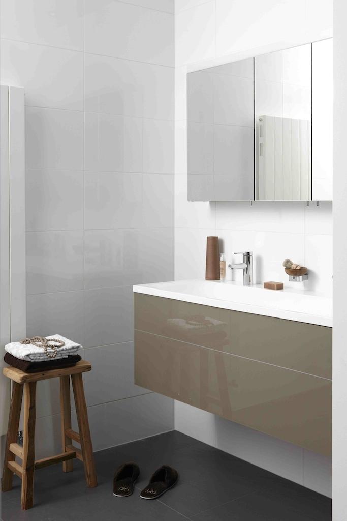 Wandpaneel voor badkamer home design idee n en meubilair inspiraties - Exotisch onder wastafel houten meubilair ...