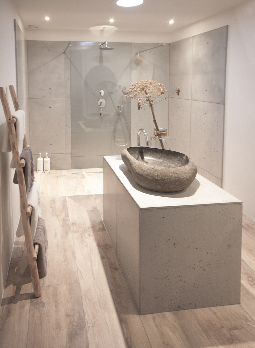Badkamer beton badkamer ontwerp idee n voor uw huis samen met meubels die het - Badkamer was beton prijs ...