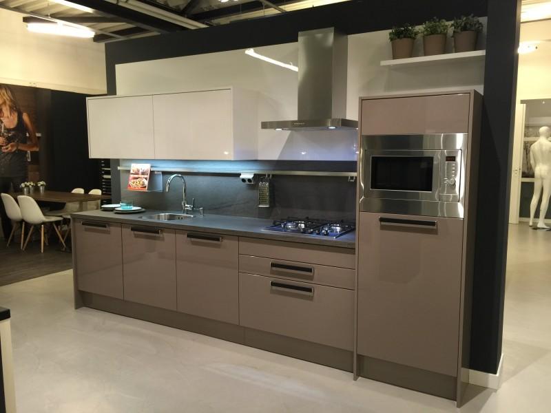 Dan Küchen keukenopstelling Vesuv